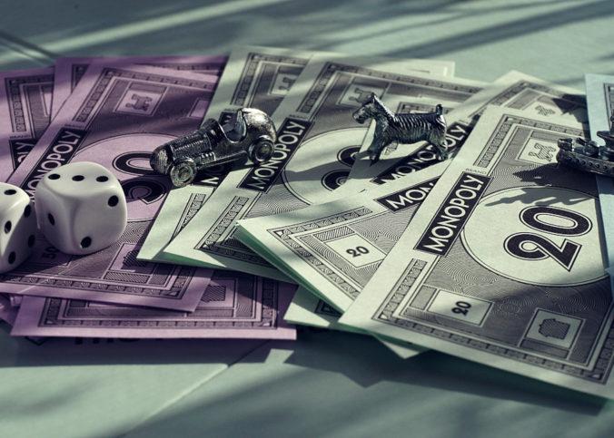 Monopol, pengar och spelpjäser